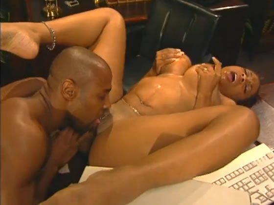 csinos fekete leszbikus pornó