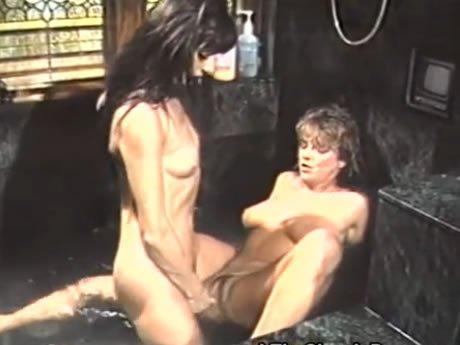 Meleg szex irodai videókban
