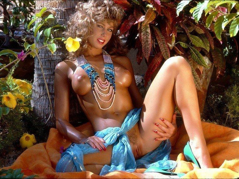 Retro pornó - Blondi