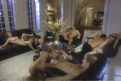 Orgia és gruppenszex a vendégségben