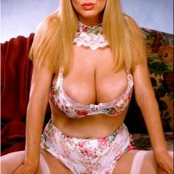 20150318 Retro pornó - Cherry Bomb 101.jpg